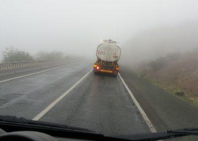 Viel Nebel als es zum Ala-Bel Pass (3175m) hoch geht