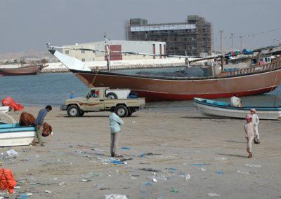 Die Dhau wird noch heute zur Fischerei an der Küste Omans benützt